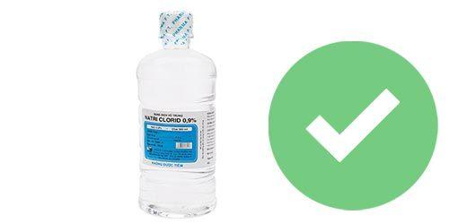 dùng nước muối sinh lý